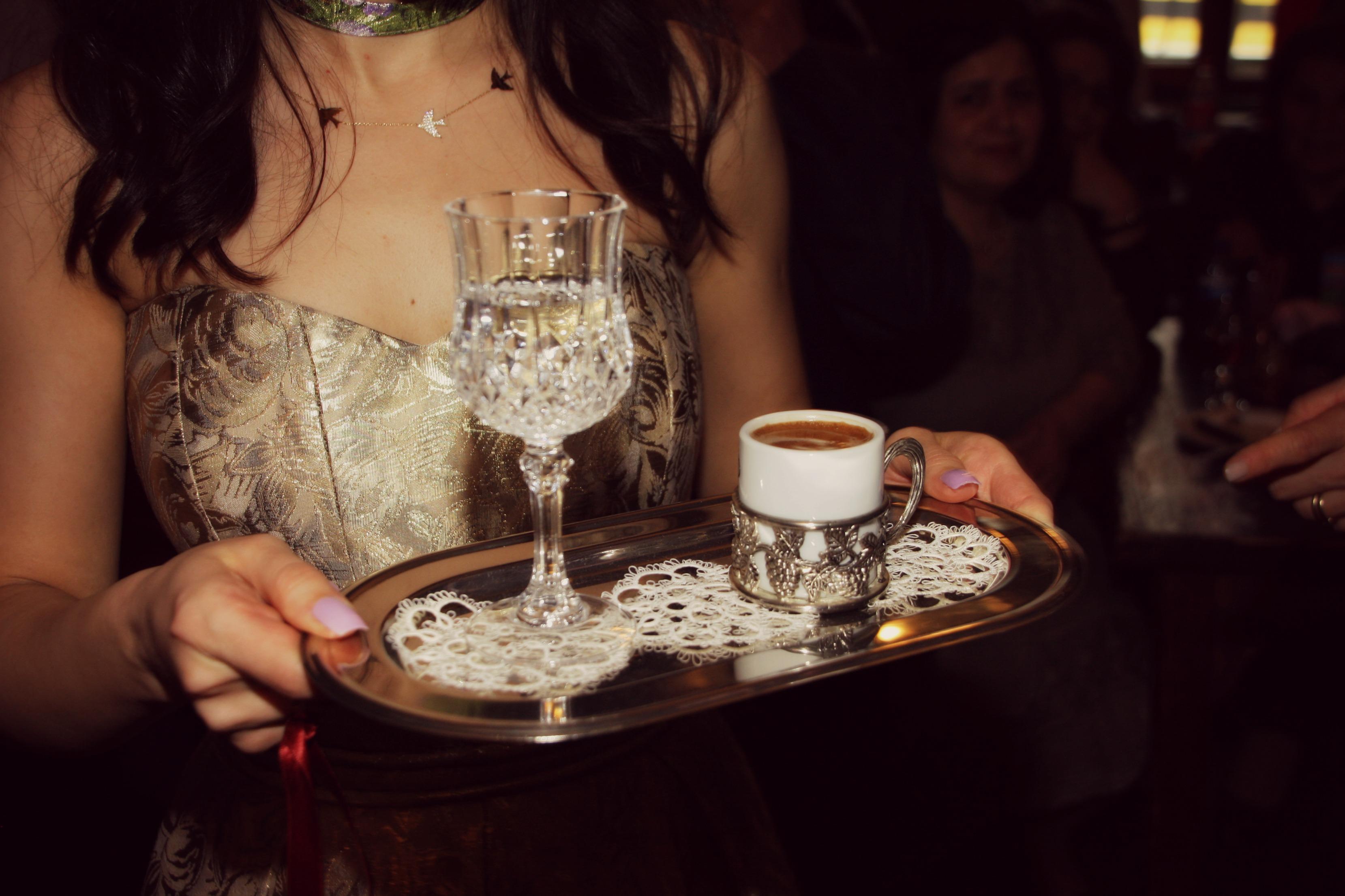 Salziger Kaffee Gold Und Küsschen Verlobung Auf Türkisch